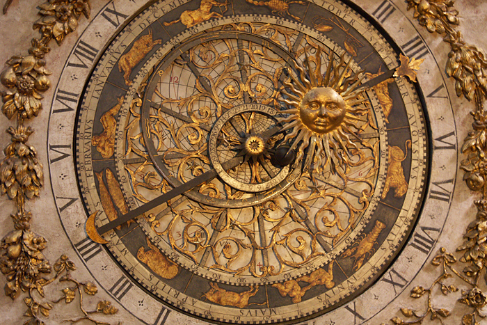 Lyon, astronomical clock in St-Jean cathedral banks (courtesy J.-M. Muller)